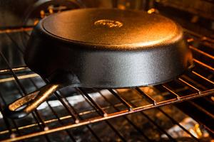 Обжиг сковородки в духовке