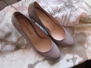 Способы растянуть лакированные туфли