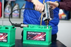 uhazhivat avtomobilnym akkumulyatorom - Уход за аккумуляторными батареями