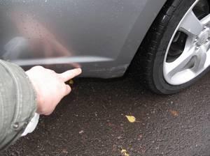 Способы устранить царапины на машине