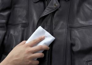 как разгладить куртку из из кожзаменителя