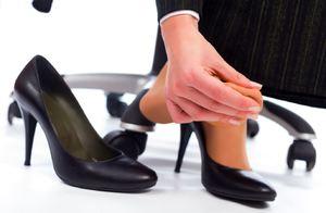 Причины окрашивание ног от обуви