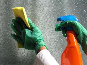 Как помыть обои