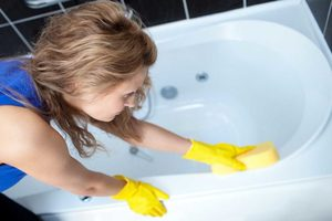 Очищение ванны с помощью уксуса