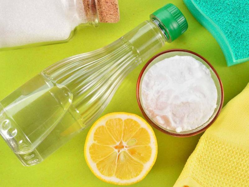 Средство для очищения ванны из уксуса и лимонной кислоты