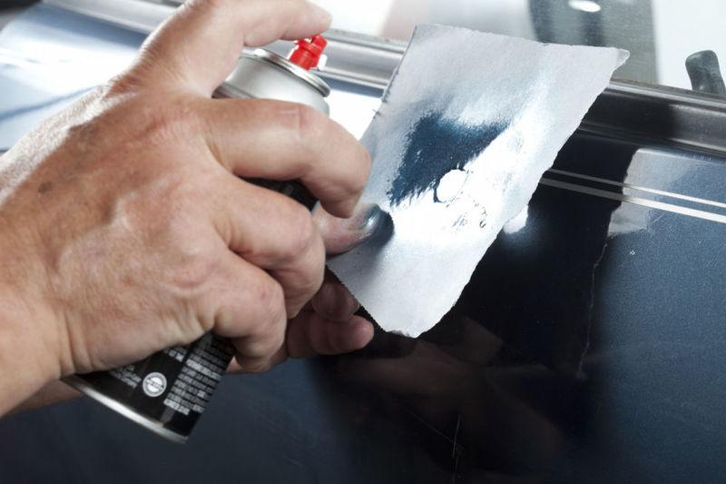 Дешевые способы устранения царапин на автомобиле