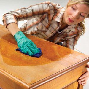 Чистка деревянной мебели в домашних условиях