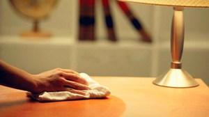 Чем чистить деревянную мебель