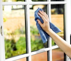 Как помыть окна на балконе и лоджии снаружи и внутри без разводов