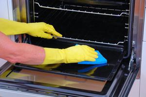 Как очистить противень от нагара и отмыть от пригоревшего жира (народными средствами)