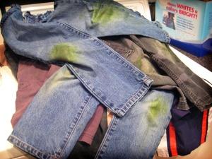Как вывести пятно от солярки с одежды